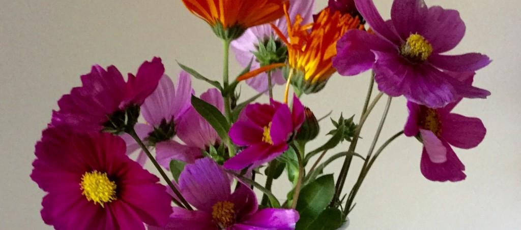 Joli bouquet de fleurs printanières