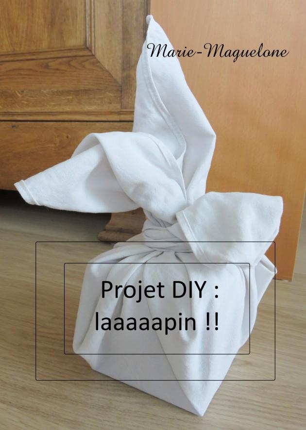 Lapin blanc, pliage du tissu
