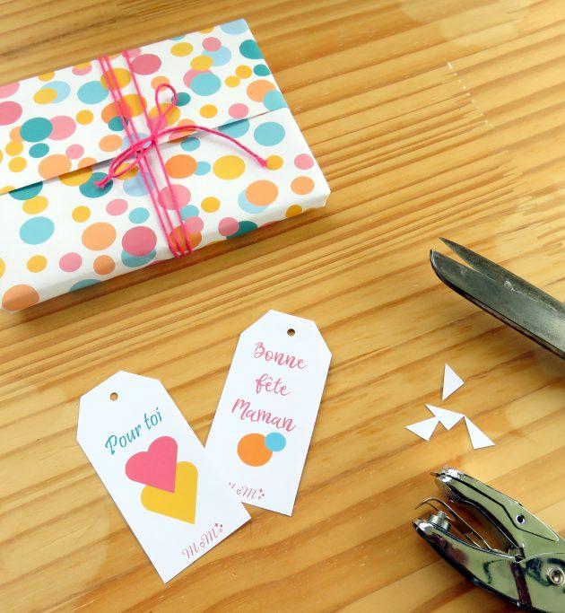 Paquet cadeau et tags