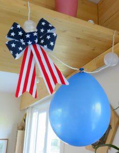 Noeud et ballon bleu USA party
