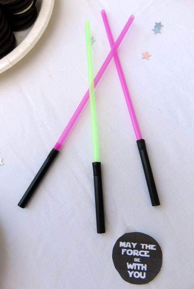 Sabres laser en pailles !