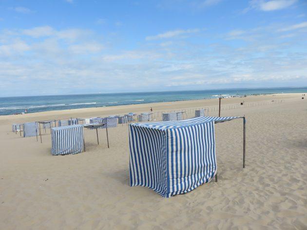 Soulac sur mer, les tentes bleues