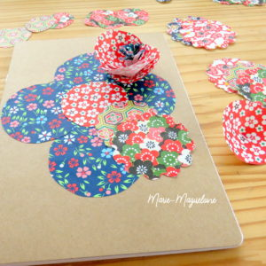 Couverture de papiers fleuris